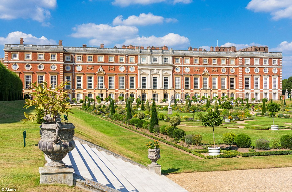 Hampton Court Palace London, Hampton Court Palace chapel holds first Catholic service since ...