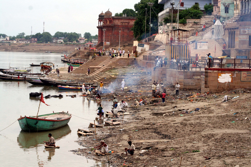 Harishchandra Ghat Varanasi, Varanasi, burning Harishchandra Ghat... | This is the smalle… | Flickr