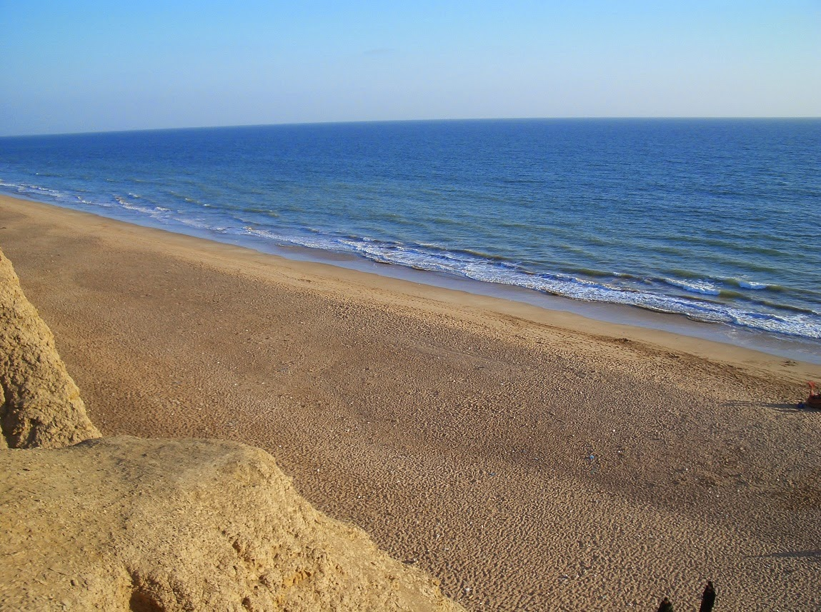 Hawkes Bay Karachi, 7 Must Visit Divine Beaches in Karachi | Trending Now