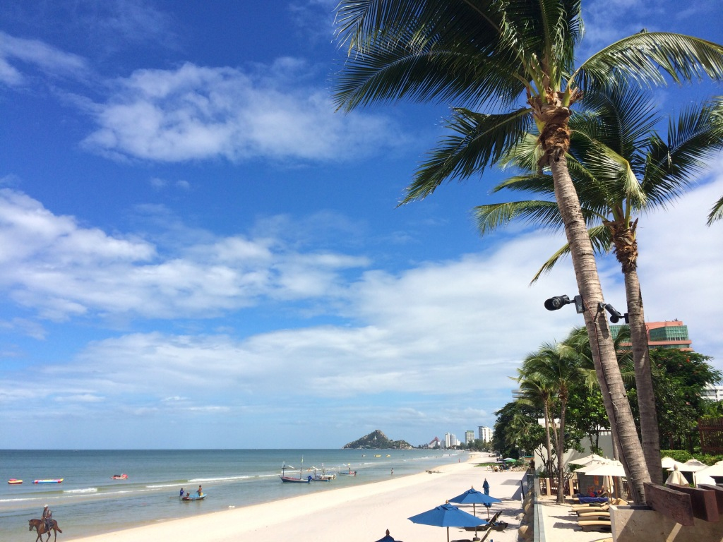 Hua Hin Beach The Gulf Coast Beaches, The Reasons Why You Want to Visit Hua Hin | Learn Thai with Mod