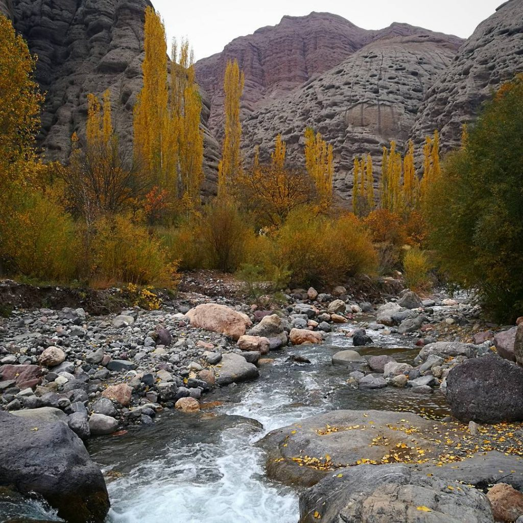 Javer Castle Aras River Valley, 21 Days Go West Iran Tour Itinerary - Friendly Iran