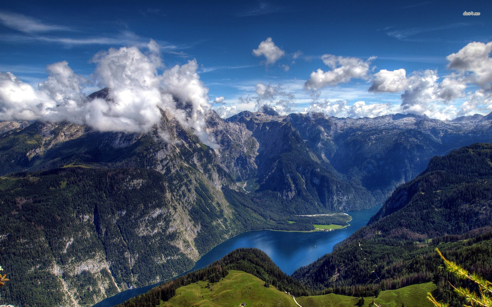 Königssee The Bavarian Alps, photos of the bavarian alps | Lake Konigsee, Bavarian Alps ...
