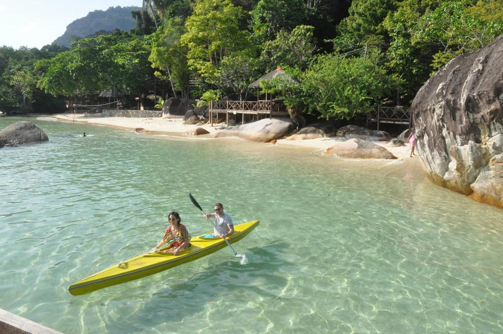 Kampung Genting Pulau Tioman, Catchthatbus Blog - Travel tips, Bus information, Inspiring ...