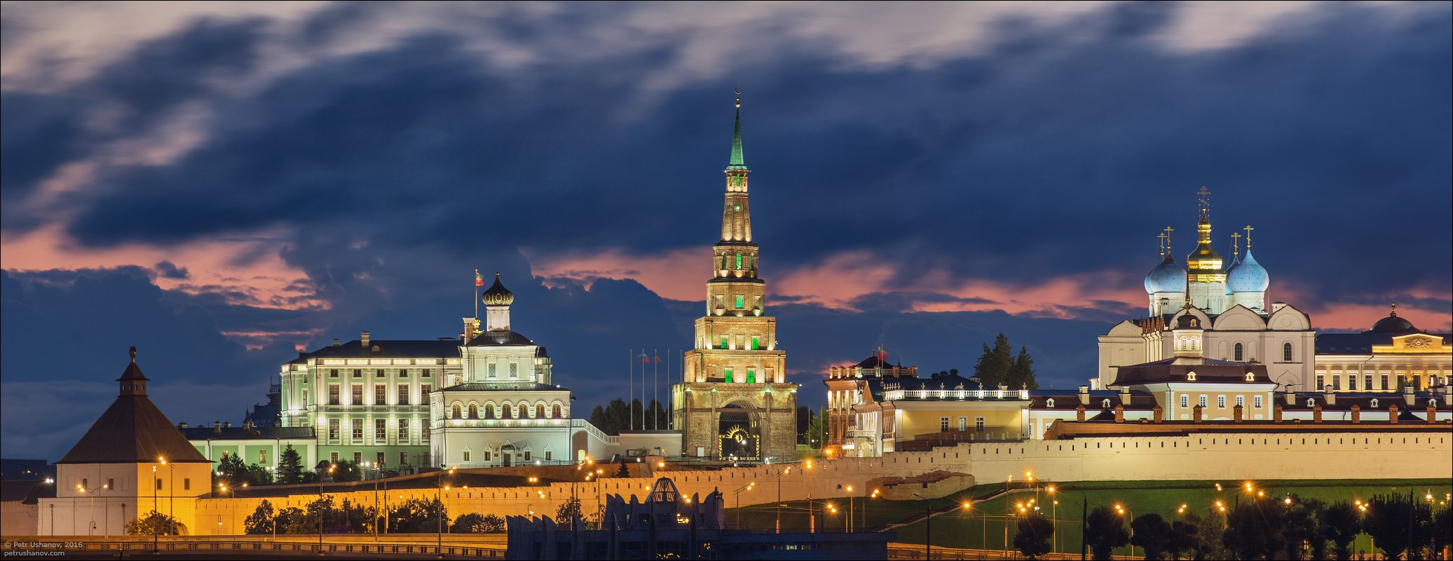Kazan Kremlin Kazan, Kazan Kremlin and the fireworks on the City Day · Russia travel blog