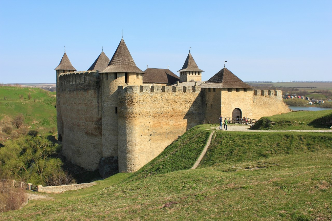 Khotyn Fortress The Carpathians, Chernovtsy oblast · Ukraine travel blog