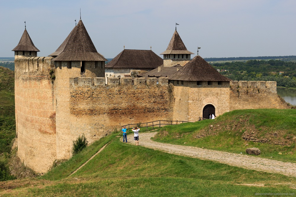 Khotyn Fortress The Carpathians, State Historical and Architectural Reserve Khotyn fortress ...
