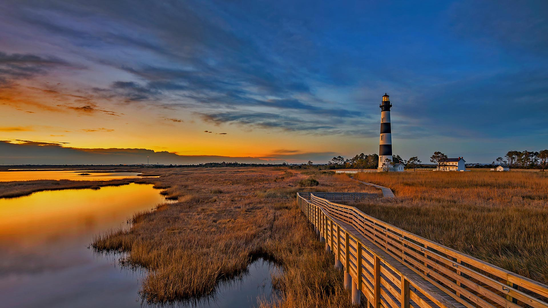 Leadbetter Point State Park Natural Area Oysterville & Nahcotta, Bodie Island Lighthouse on North Carolina's Outer Banks (© Anthony ...