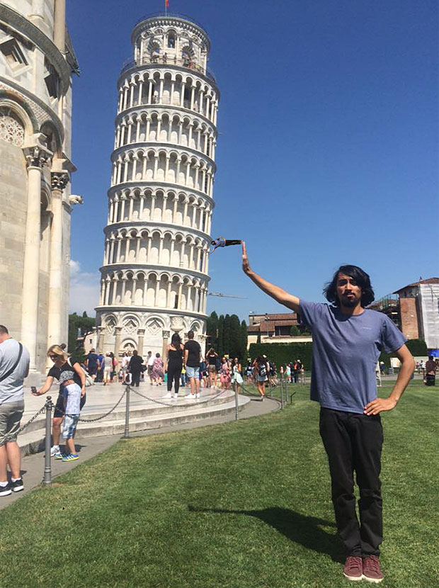 Leaning Tower Pisa, Is this the worst Leaning Tower of Pisa tourist photo ever ...