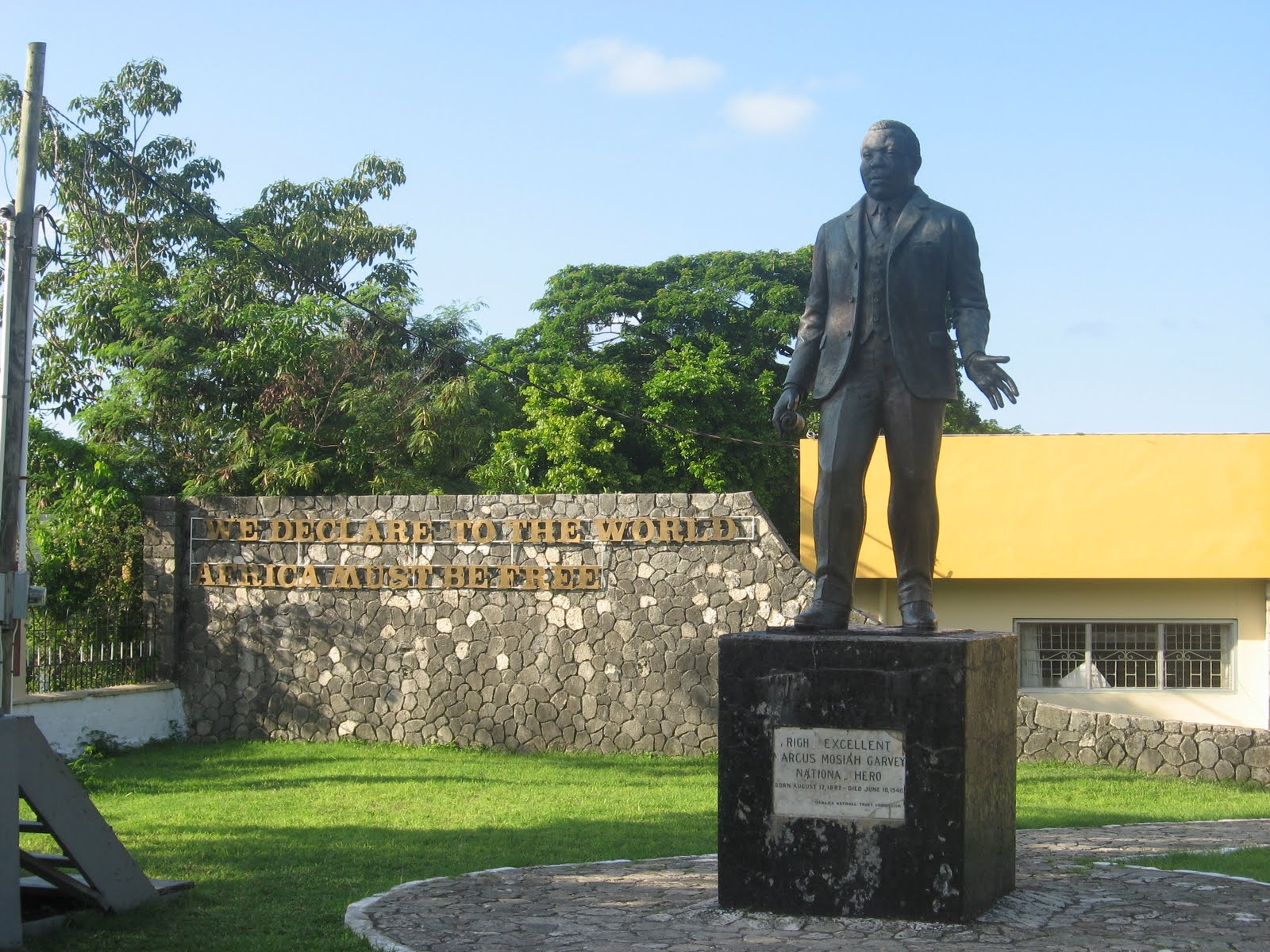 Marcus Garvey Statue St Ann's Bay, Michel's perspective: YES WE CAN