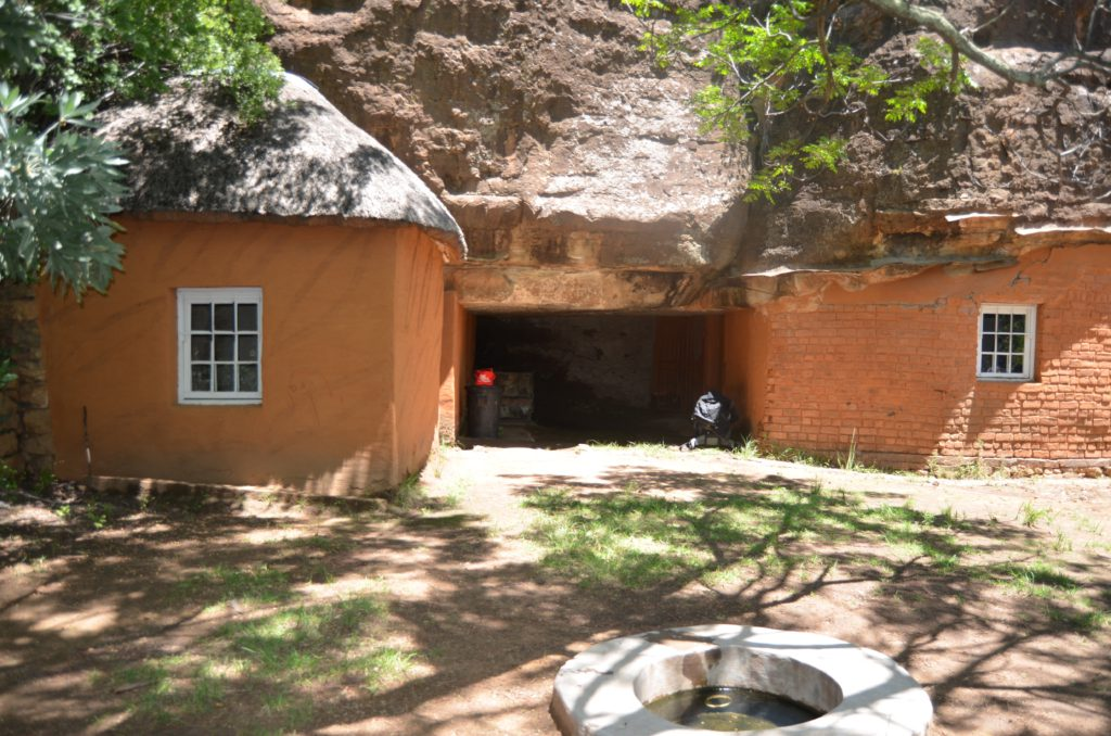 Masitise Cave House Museum Quthing, Masitise Cave House | Hills View Guest House Quthing