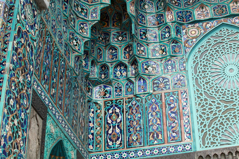 Mosque St. Petersburg, Beautiful mosaic of main mosque of St. Petersburg · Russia travel blog