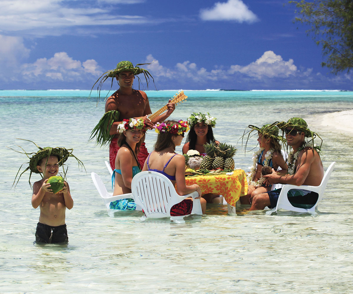 Motu beaches Moorea, Moorea lagoon discovery with a motu picnic - Activities e-Tahiti ...