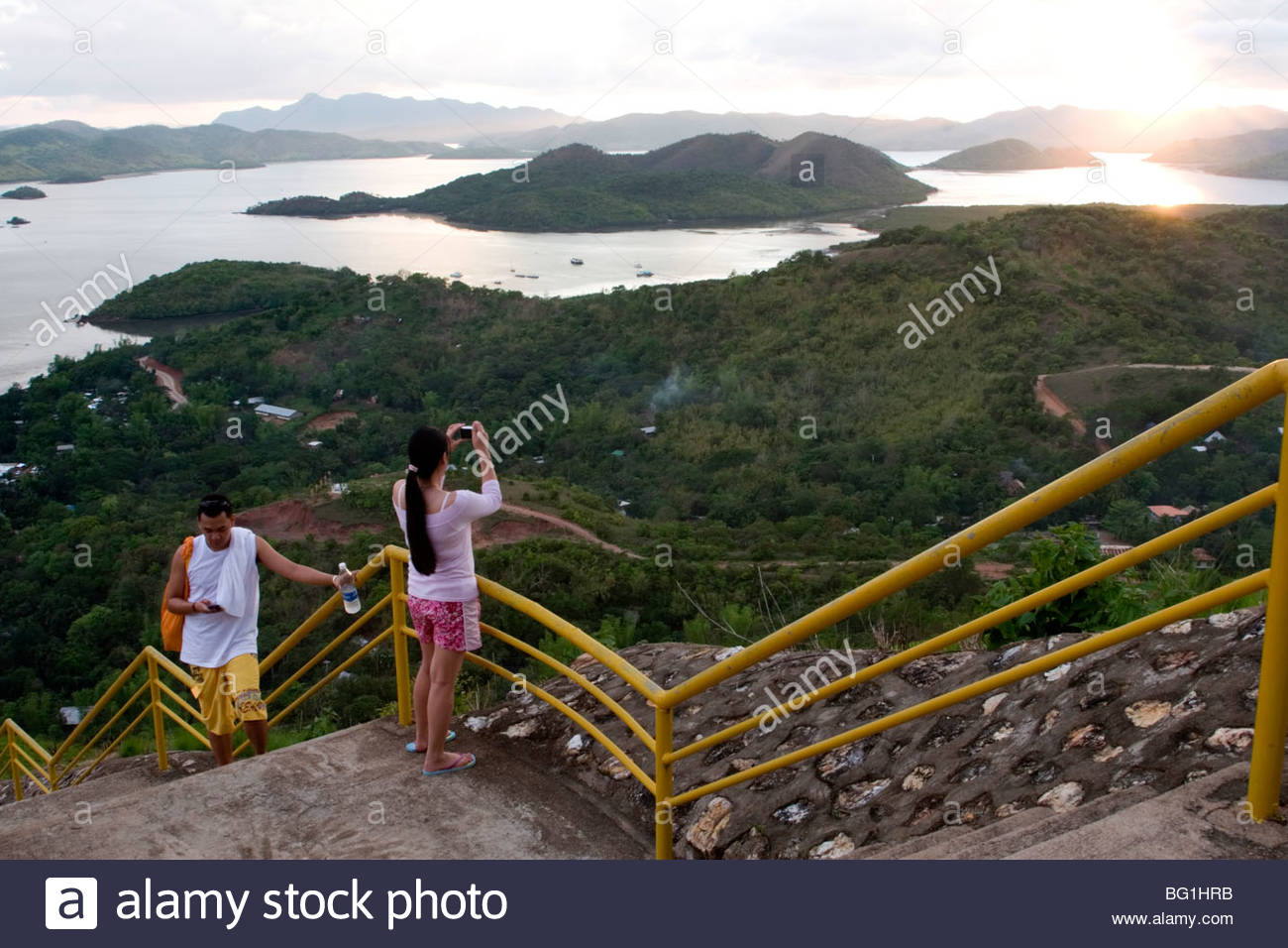 Mt Tapyas Coron Town, Tourists taking pictures of sunset from Mount Tapyas in Coron Town ...
