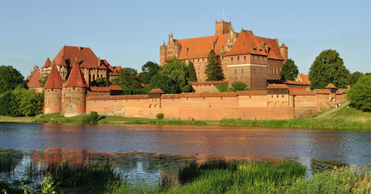Muzeum Morskie The Baltic Coast and Pomerania, Malbork Castle: Searching for Treasure and Legends in the Shadows ...