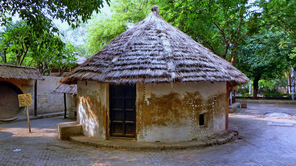 National Crafts Museum Delhi, India - Delhi - National Crafts Museum - Banni Hut From Gu… | Flickr