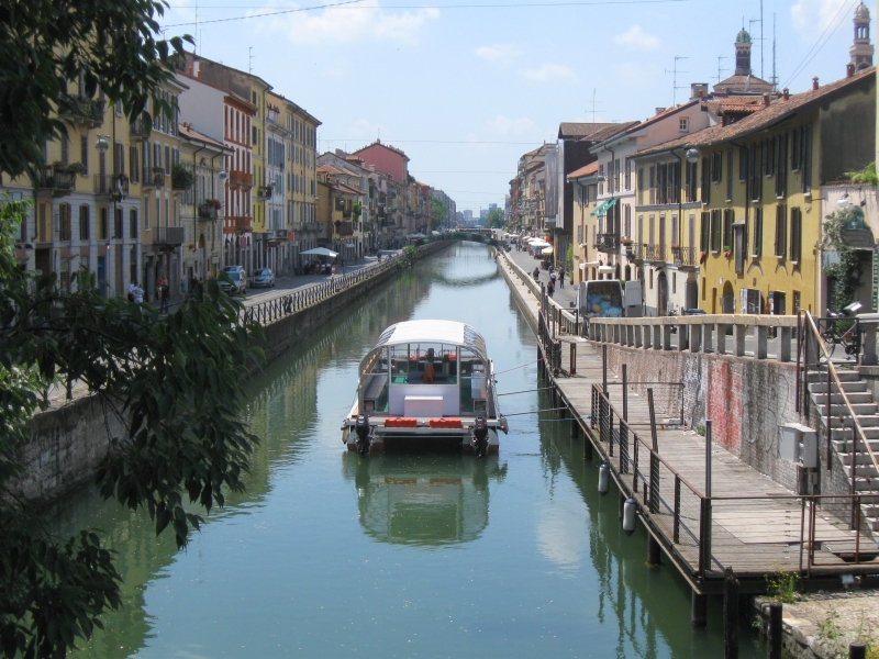 Navigli District Milan, Aperitivo: How to eat for free in Milan | The Travel Blog by ...