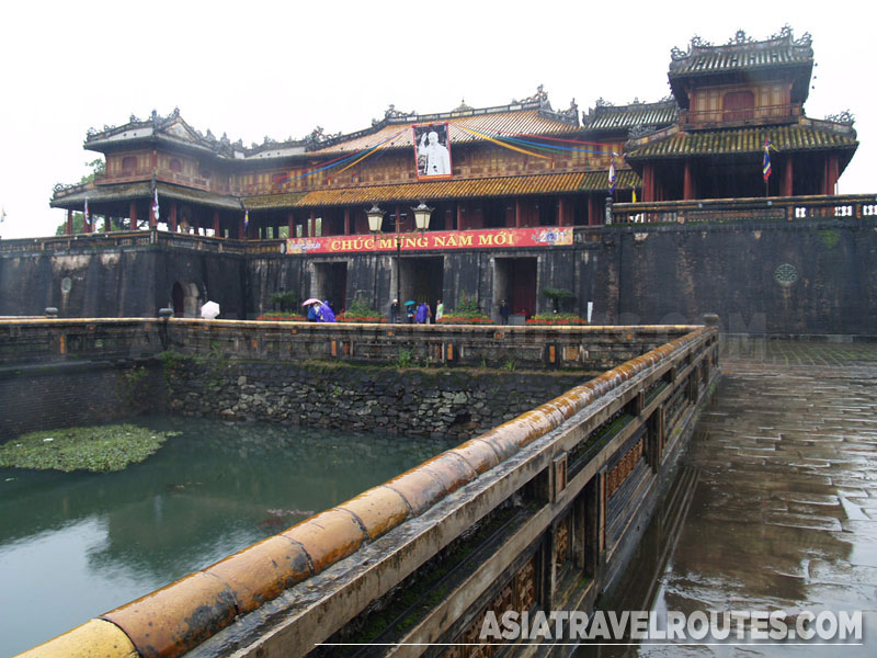 Ngo Mon Gate Hue, The Noon Gate (Cua Ngo Mon), Imperial Citadel and the Forbidden ...