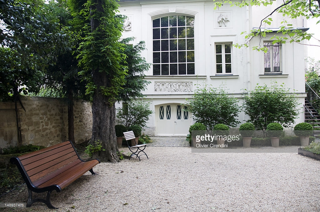 Nicolas Flamel's Home Paris, Courtyard At Musee National Eugene Delacroix Stock Photo   Getty ...