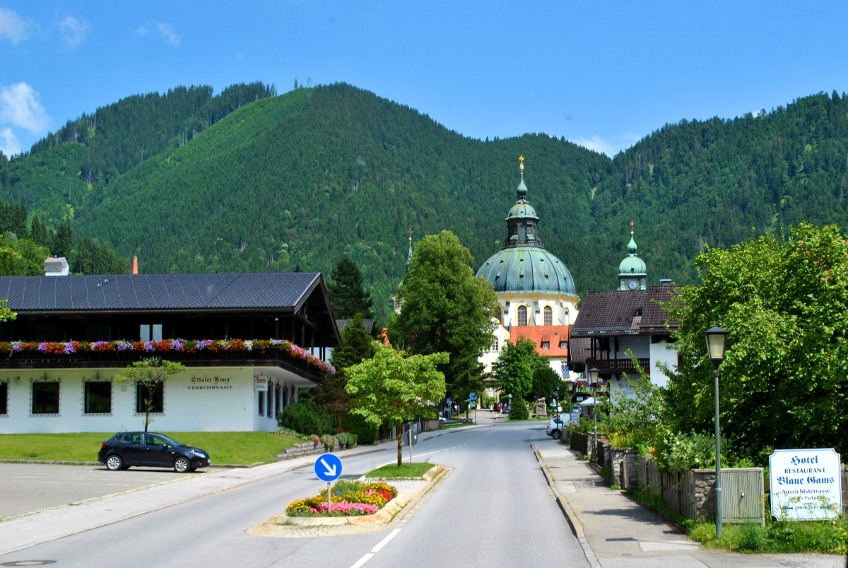 Oberammergau Museum The Bavarian Alps, Photo Gallery: Quick Stop at Oberammergau, Germany – Food and ...