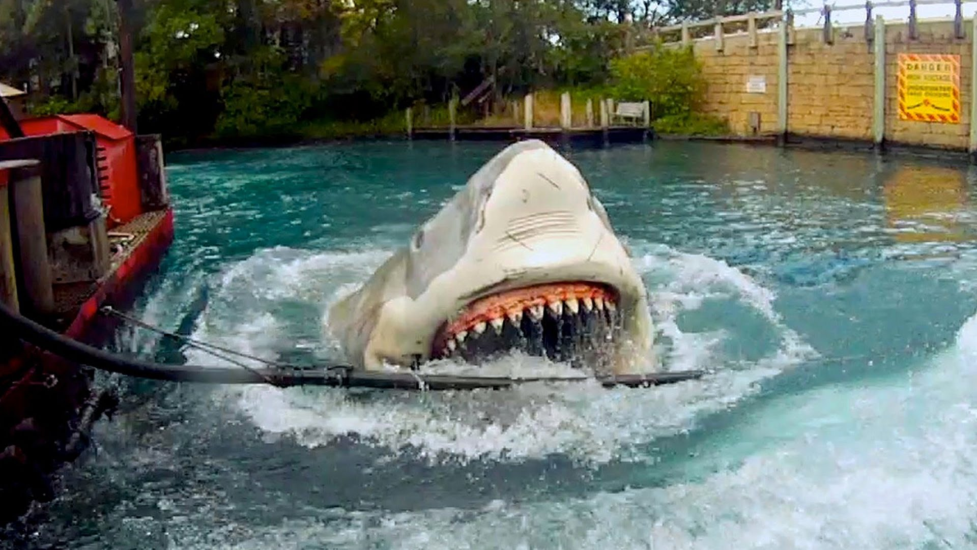 One Fish, Two Fish, Red Fish, Blue Fish Universal Orlando, Jaws Ride: The Movie - An ultimate tribute to the Universal ...