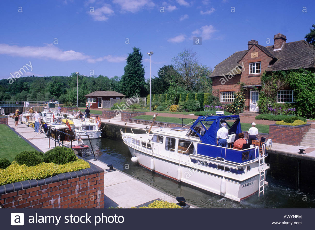 Oxford River Cruises The Thames Valley, Boats River Thames Lock Stock Photos & Boats River Thames Lock ...