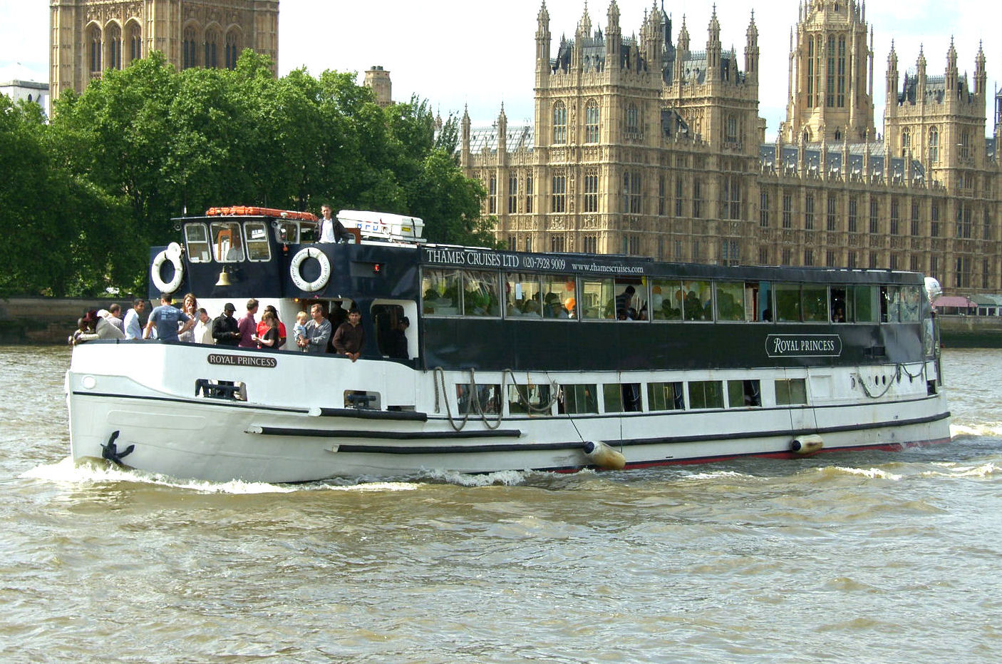 Oxford River Cruises The Thames Valley, Thames River Cruises   Boat Hire London   Thames Cruises