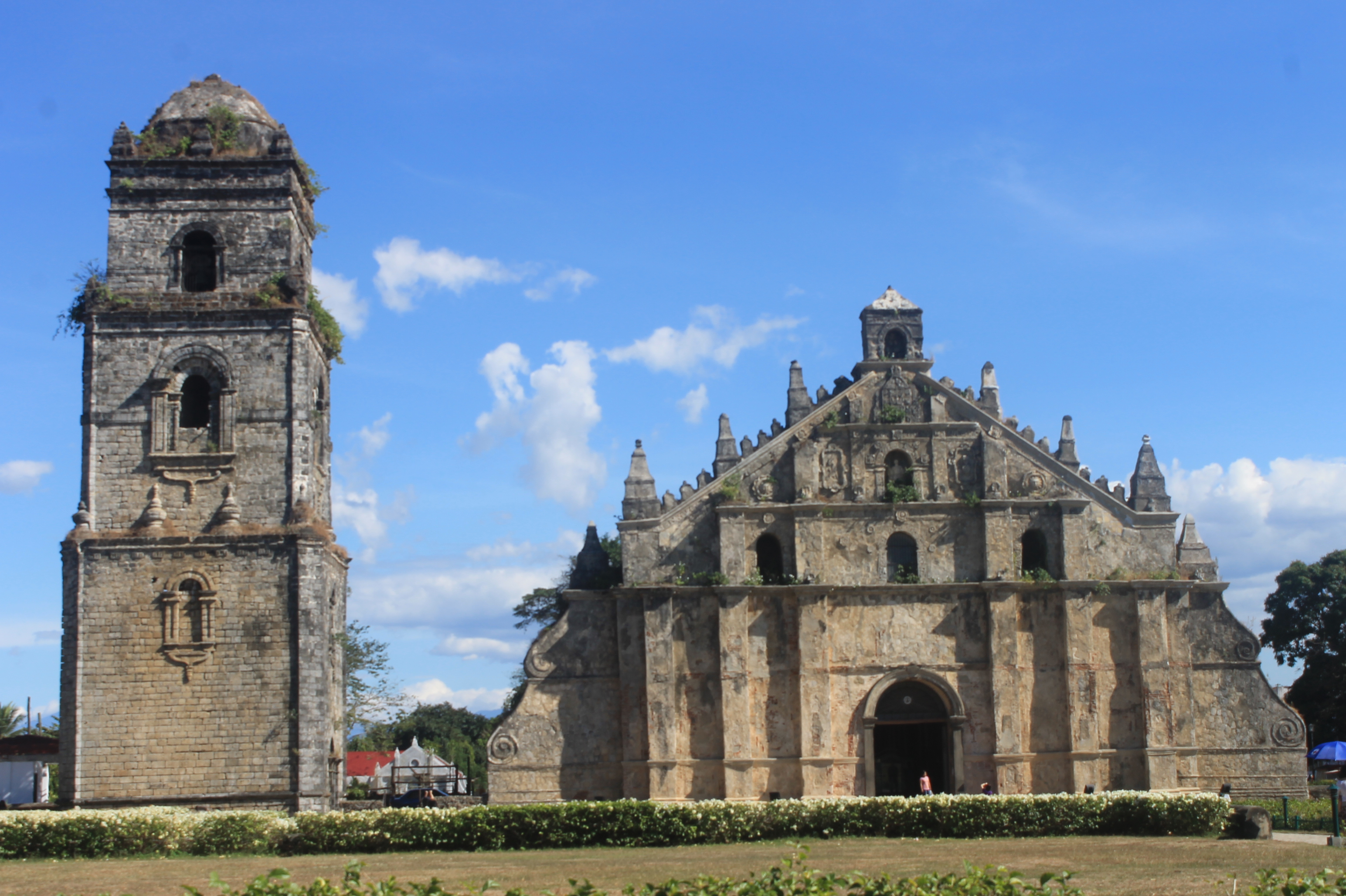 Paoay Church Laoag, Falling in love with Paoay Church - Choose Philippines. Find ...