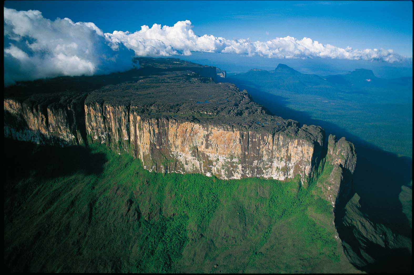 Parque Nacional Canaima Elsewhere in Venezuela, Pin by Diario El Nacional on Parque Nacional Canaima | Pinterest ...