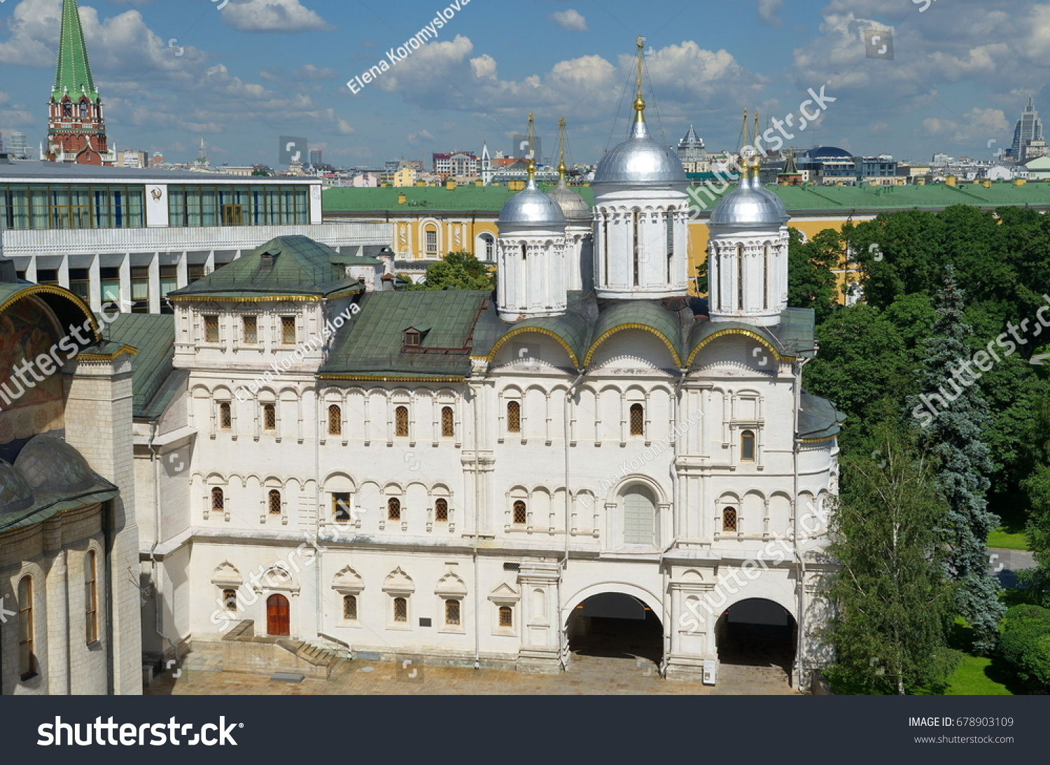 Patriarch's Palace Moscow, Patriarchs Palace Church Twelve Apostles Cathedral Stock Photo ...