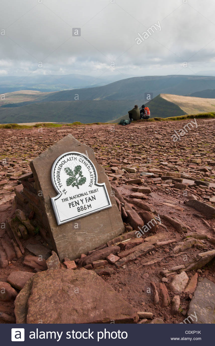 Pen-y-Fan Brecon Beacons National Park, The summit of Pen y Fan, the highest peak in Brecon Beacons ...