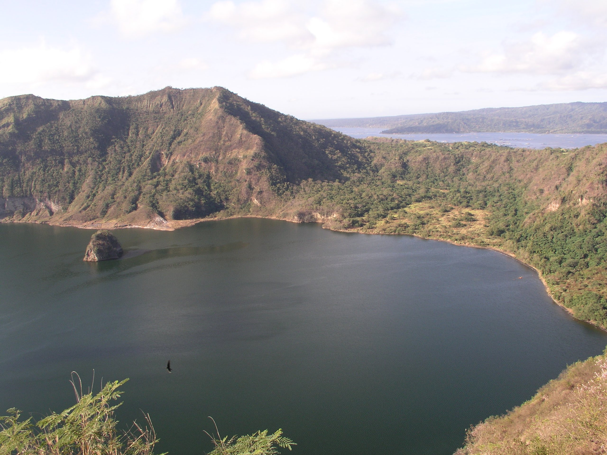People's Park in the Sky Tagaytay & Lake Taal, Lake Taal, Taal Volcano, People's Park in the Sky, Tagaytay City ...