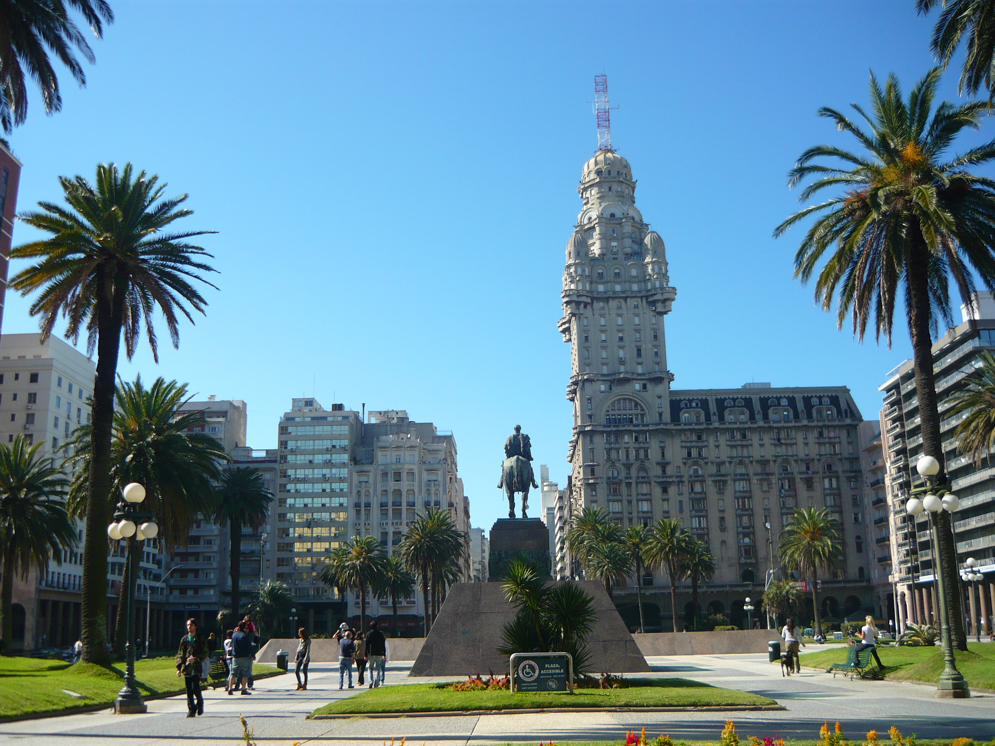 Plaza Independencia Montevideo, Plaza Independencia, Montevideo | Most Beautiful Places in the World