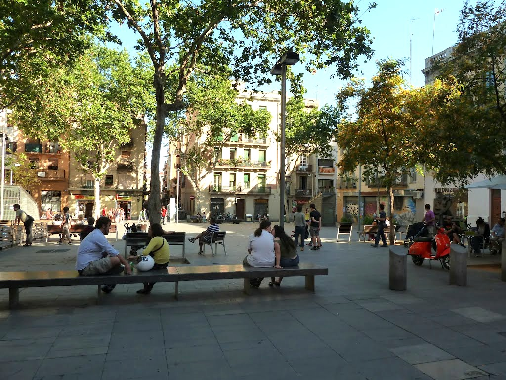 Port Olímpic Barcelona, Discover the lesser known squares of Barcelona! Part 2