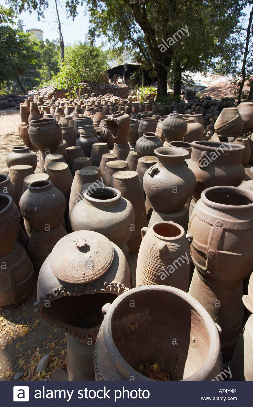 Pottery Factories Vigan, Pots Outside Jar Factory In Vigan Stock Photo, Royalty Free Image ...