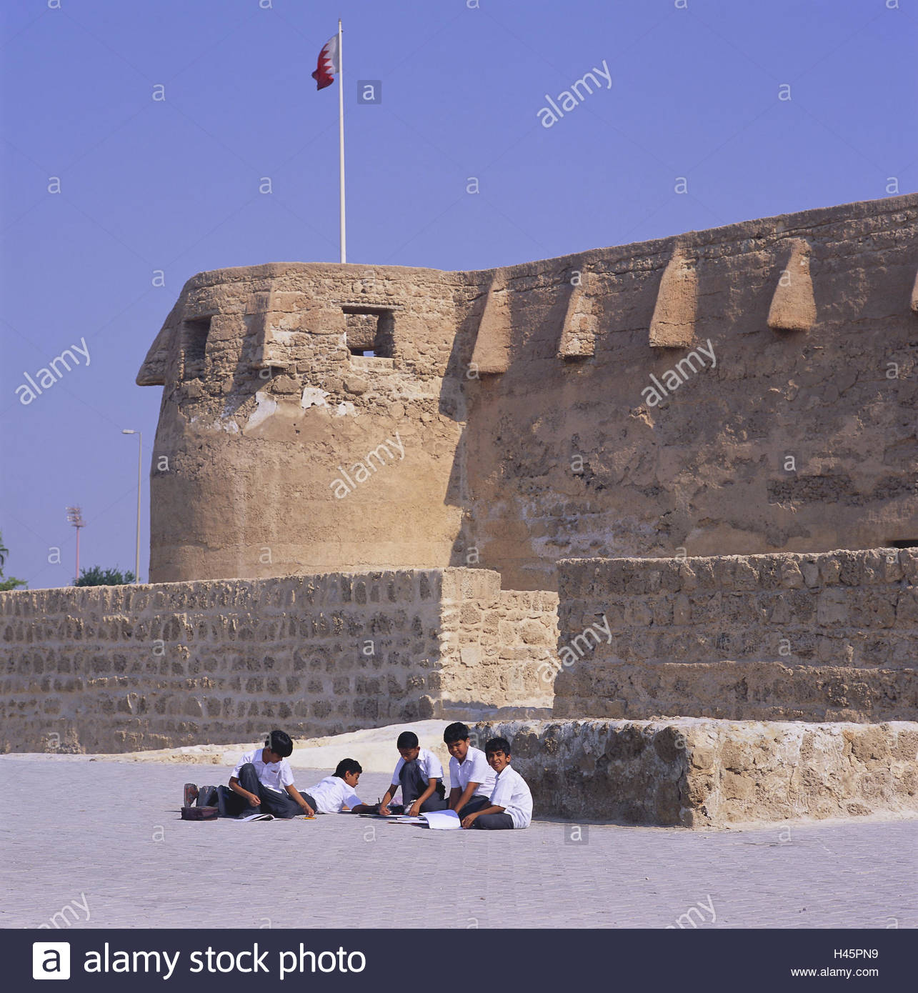 Qala'at Arad Muharraq Island, Bahrain, island Muharraq, fortress, Qala'at Arad, children, no ...