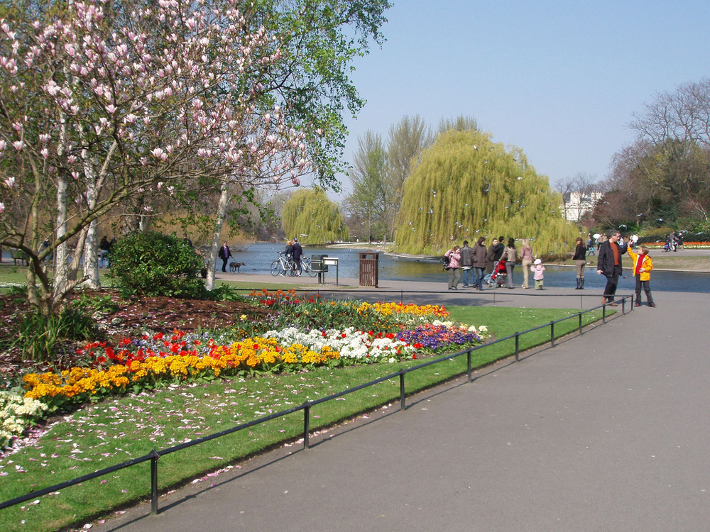Regent's Park London, Regent's Park in Camden London - Pretty much every Londoner has ...