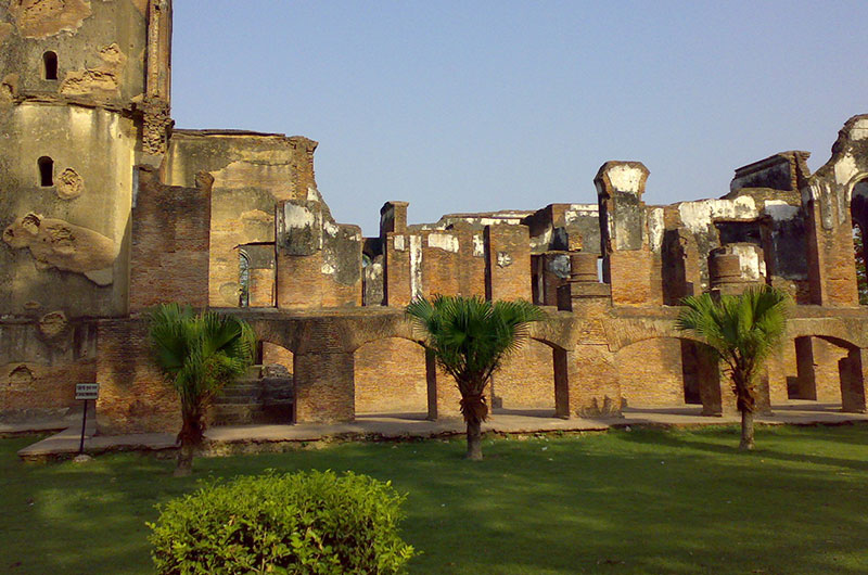 Residency Lucknow, Tourist Places in Lucknow, Historical Places | Hotel Ganga Maiya