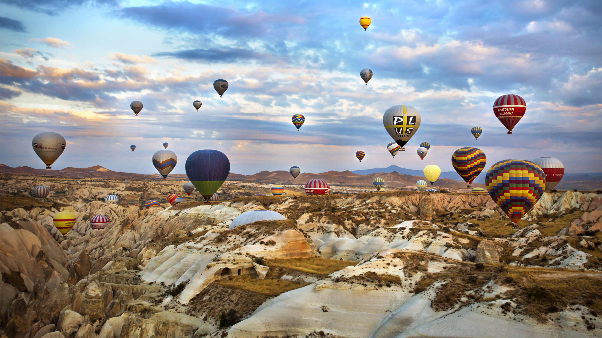 Royal Balloon Cappadocia and Central Turkey, Hot air ballooning in Cappadocia - Property Turkey