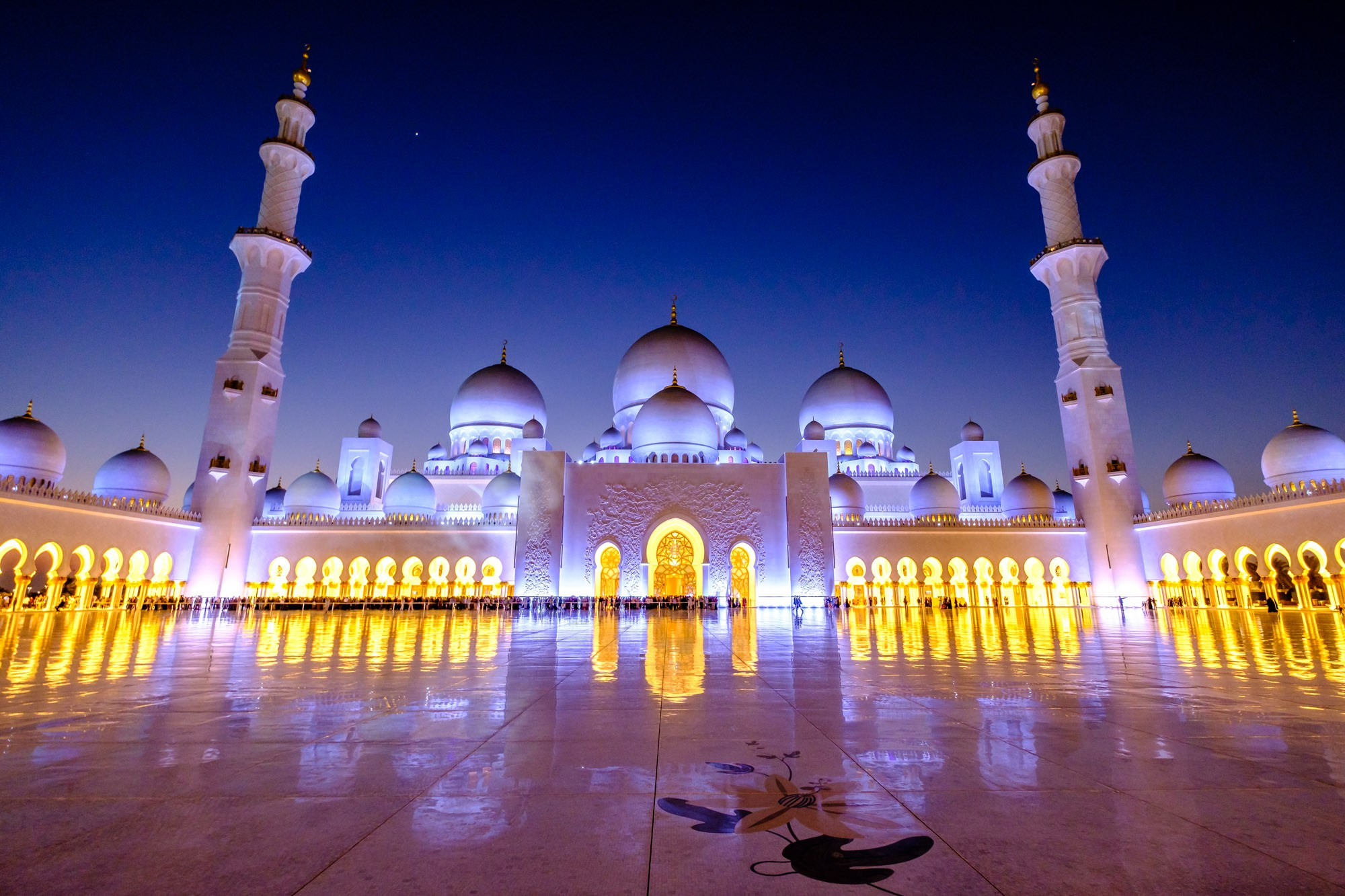 Sheikh Zayed Grand Mosque Abu Dhabi, The Sheikh Zayed Grand Mosque – A Study - Ugo Cei Photography