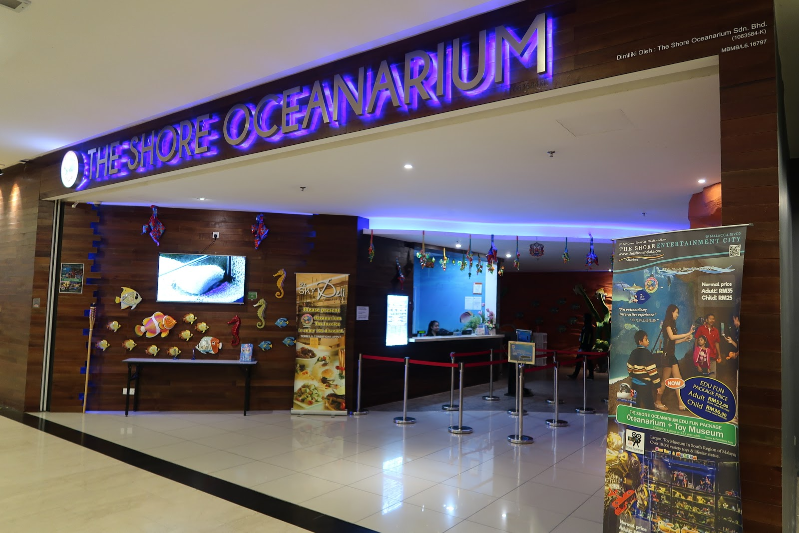 Shore Oceanarium Melaka City, Life With 4 Boys: Attractions for Kids in Melaka at the Shore ...