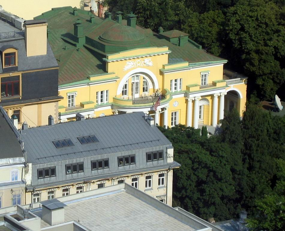 Spaso House Moscow, Panoramio - Photo of Spaso House in Moscow. Neoclassical Revival ...