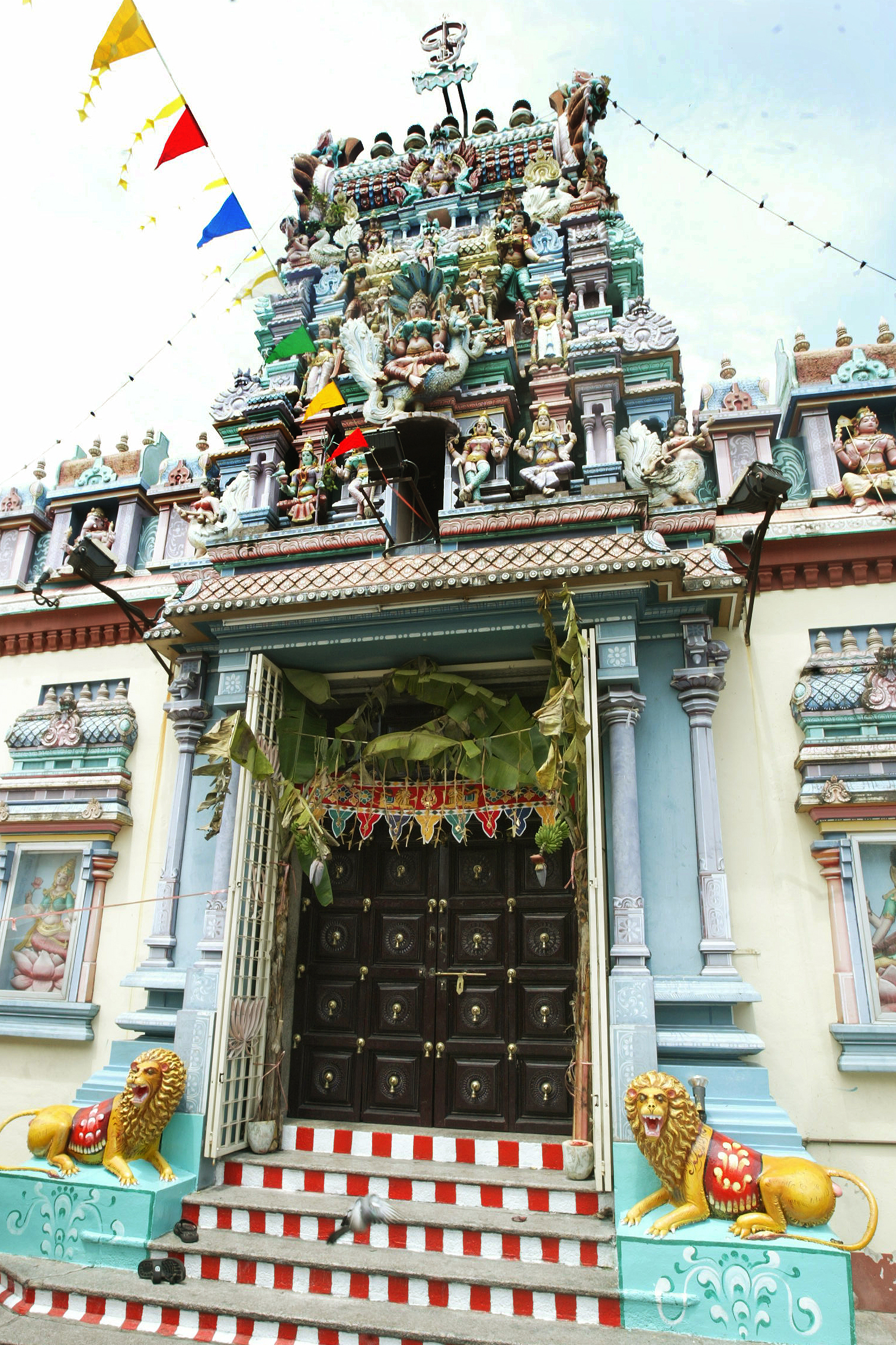 Sri Muneeswaran Hindu Temple Malaysia, Singapore & Brunei, mana mariaman temple malaysia (Now demolished by government order ...