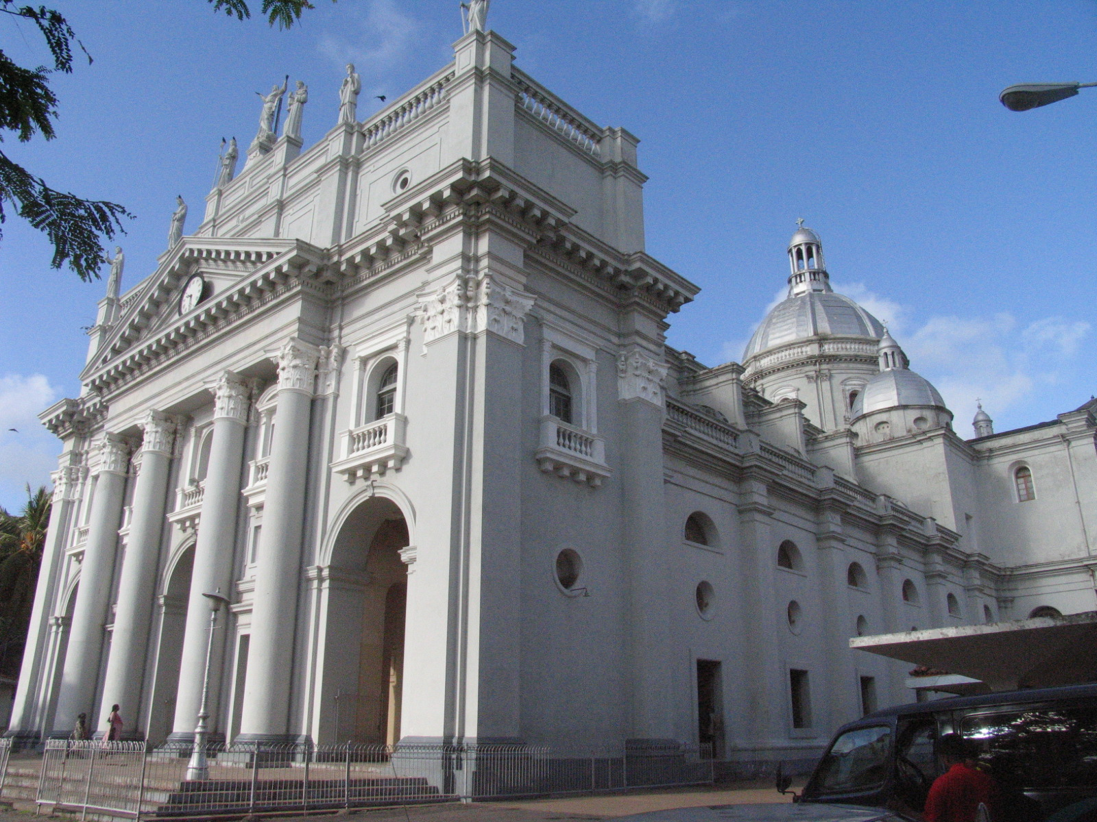 St Lucia's Cathedral Colombo, Sri Lanka is Paradise: St. Lucia's Cathedral