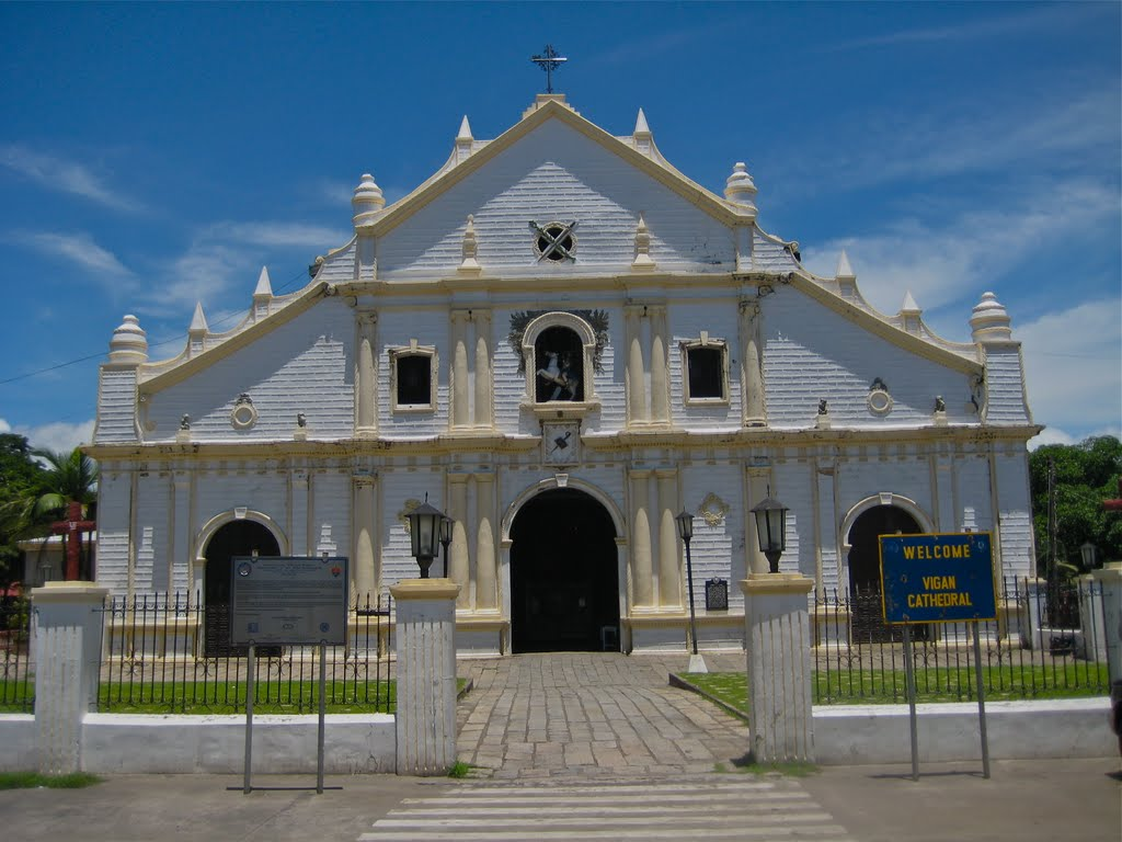 St Paul Cathedral Vigan, Panoramio - Photo of St. Paul Metropolitan Cathedral, Vigan City ...
