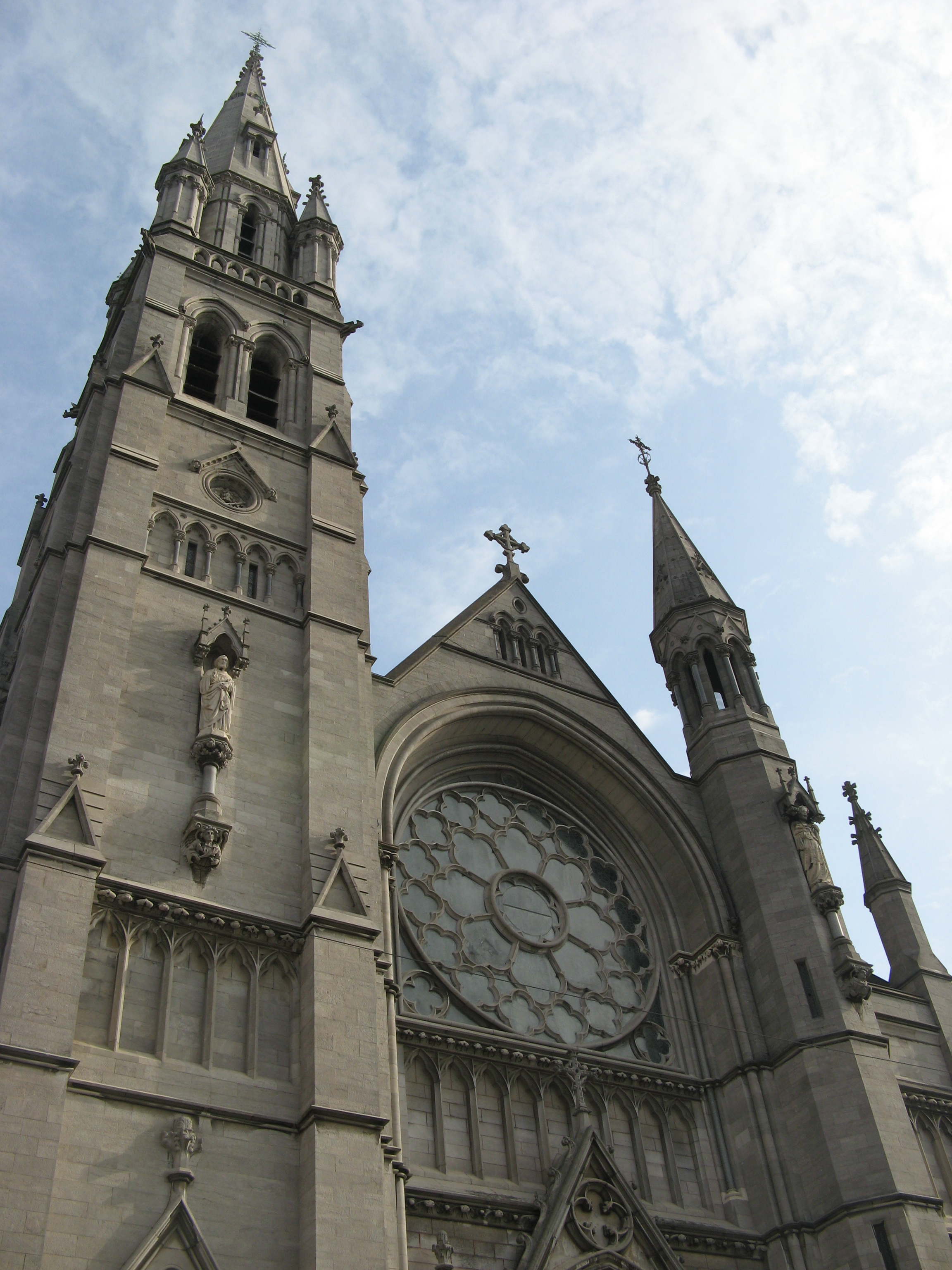 St Peter's Roman Catholic Church Drogheda, Apr 2010 - Drogheda, County Louth, Ireland. Exterior of St ...