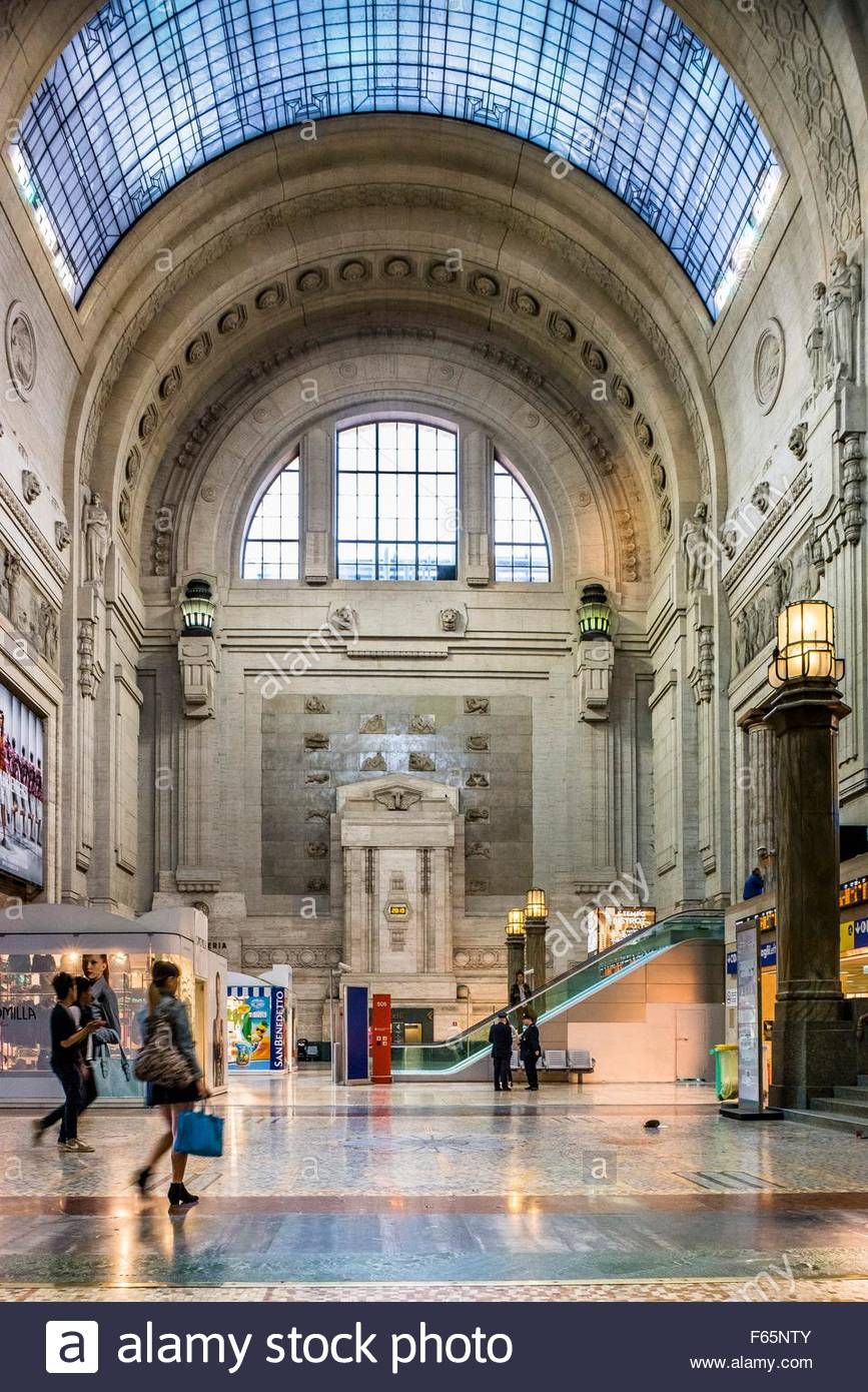 Stazione Centrale Milan, The atrium of the main railway station, Stazione Centrale, Milan ...