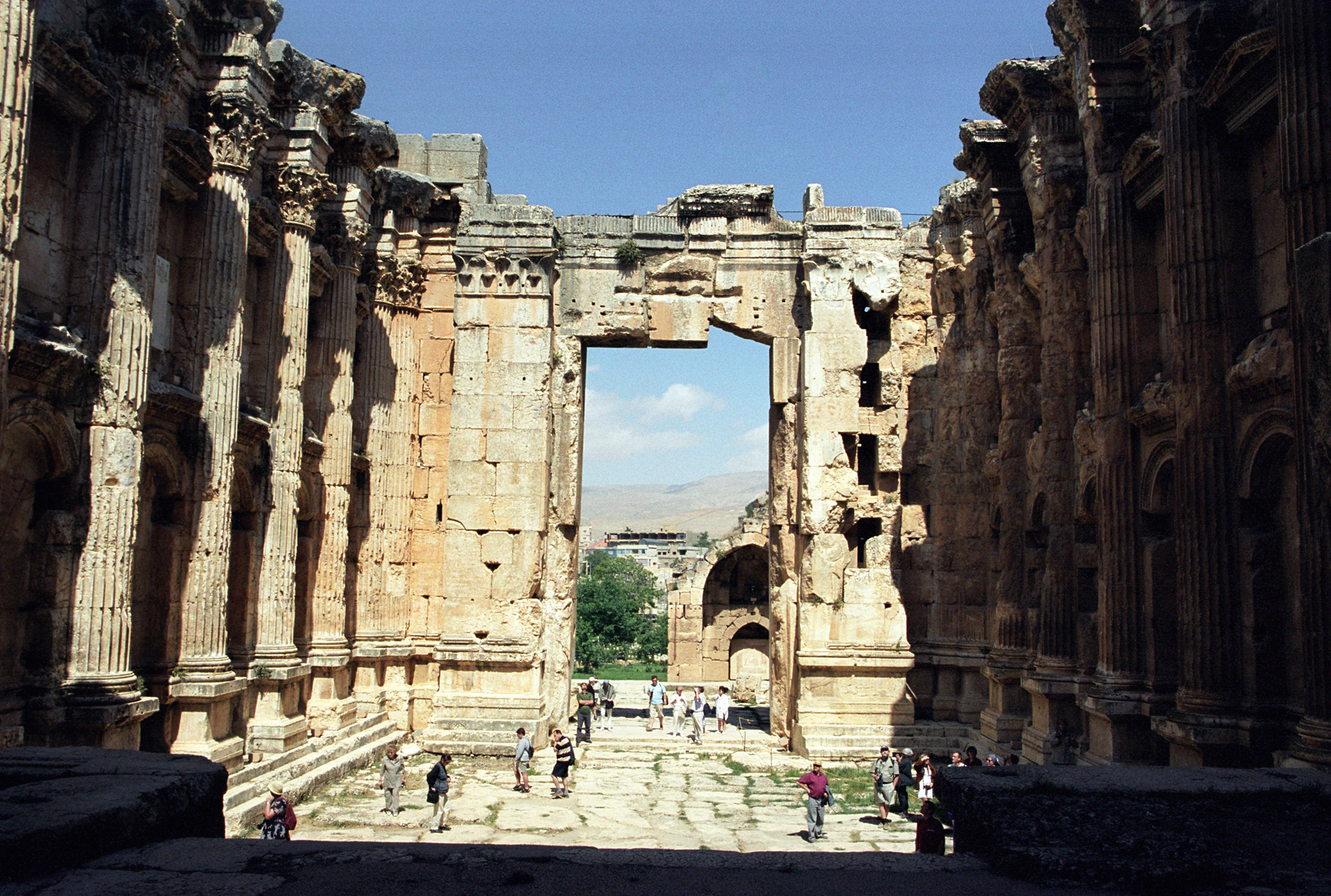 Temple of Bacchus Baalbek, Baalbek Interior Temple of Bacchus « UFO-Contact News