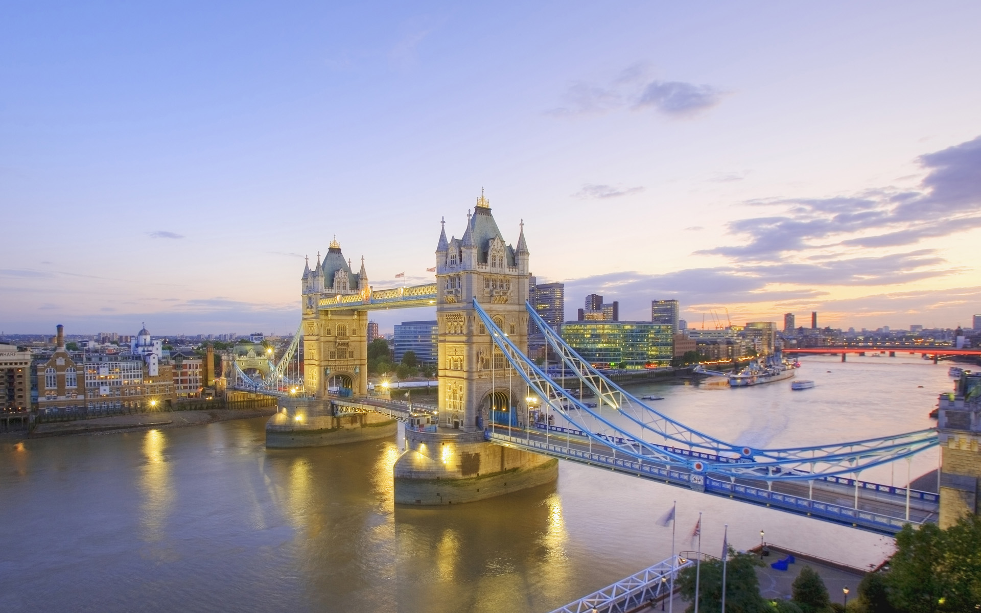Thames River London, River Thames and Tower Bridge at Dusk, London, England « Awesome ...