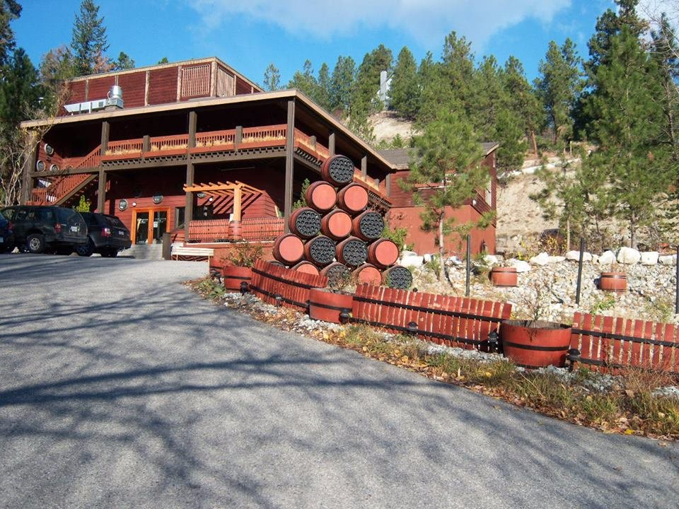 The BX Press Cidery & Orchard Okanagan Wine Country, Hainle Vineyards and Deep Creek Wine Estate (Peachland, British ...