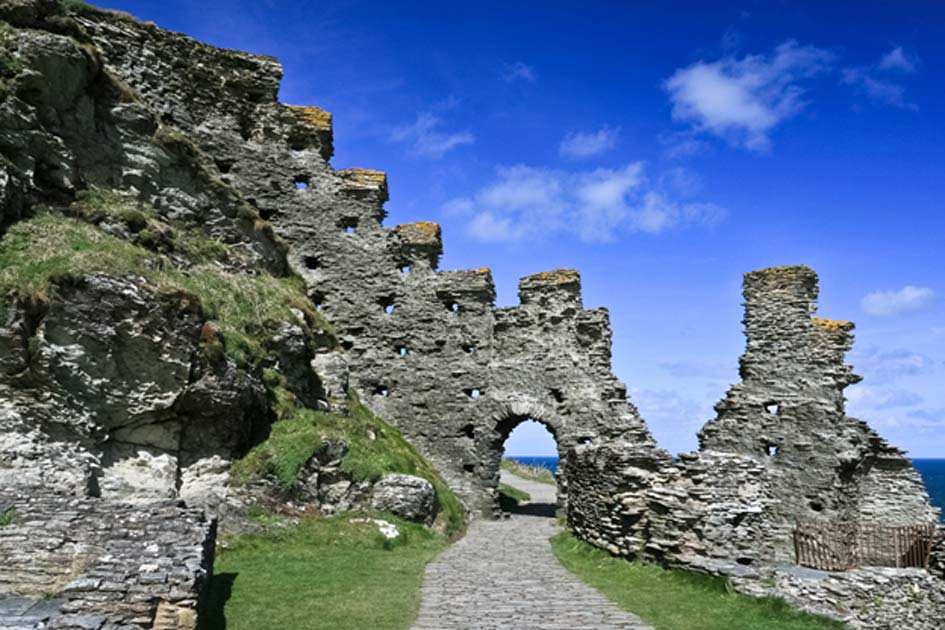Tintagel Castle Tintagel, Tintagel Castle and The Legendary Conception of King Arthur ...
